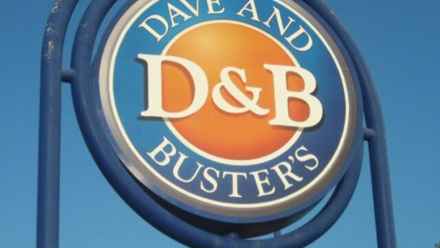 dave and buster's apologized