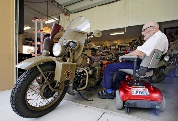 WWII Vertran reunited with his bike