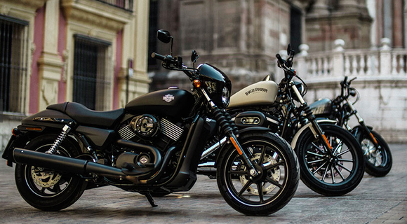 Harley Is on a Roll With It's New Street 750 | SCREAMING THUNDER on